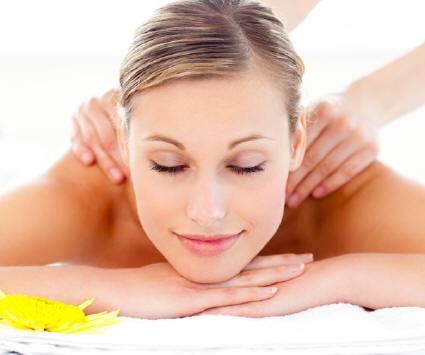 Aprenda uma massagem bem relaxante