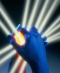 Reiki: A Luz Cósmica em suas Mãos